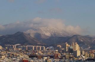 お正月限定トップ・冠雪の無等山(2003.1.5)