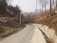 安東市内の、旧慶北線跡の道路 (2004年1月撮影)